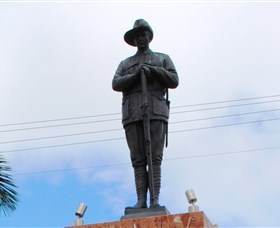 Charters Towers Memorial Cenotaph - QLD Tourism