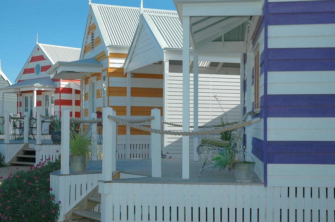 Beach Huts Middleton - QLD Tourism