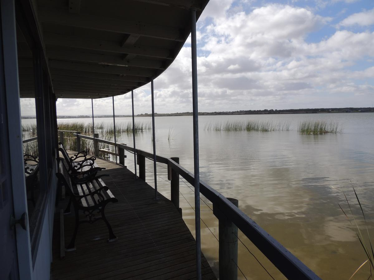 PS Federal Retreat Paddle Steamer Goolwa - QLD Tourism
