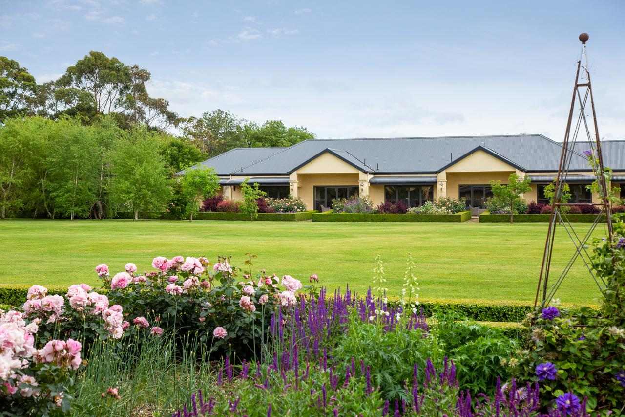 The Barn Accommodation - QLD Tourism
