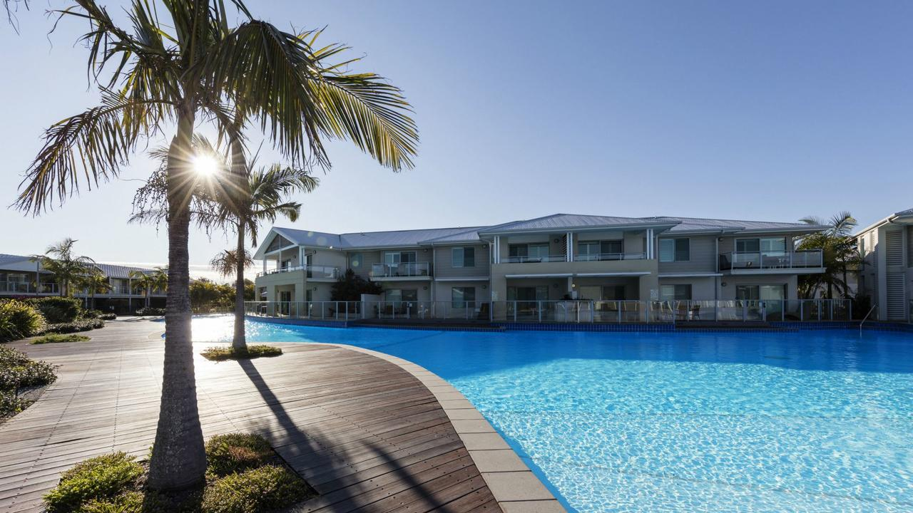 Oaks Pacific Blue Resort - QLD Tourism