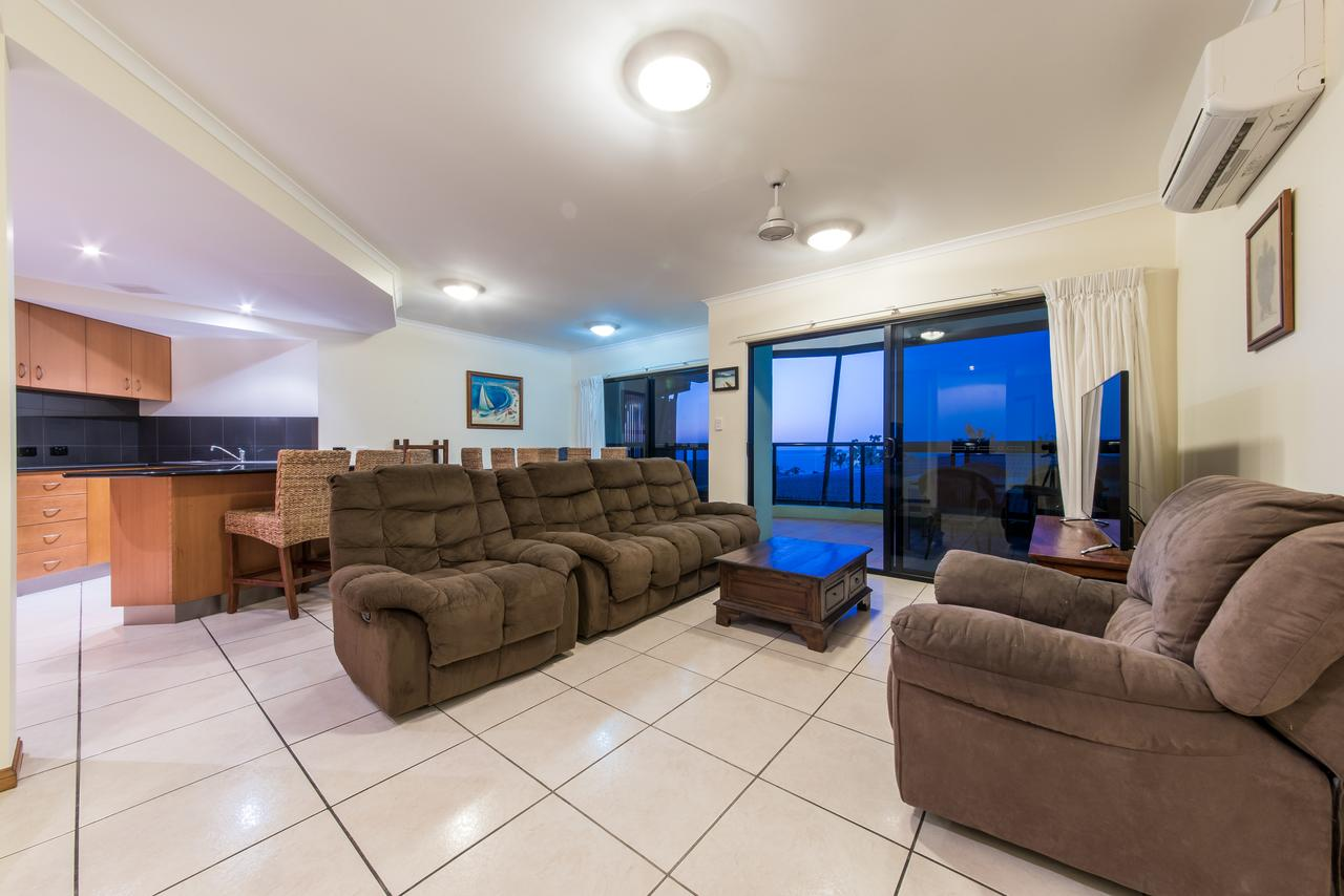 Paradise Penthouse At Waves - Airlie Beach - QLD Tourism