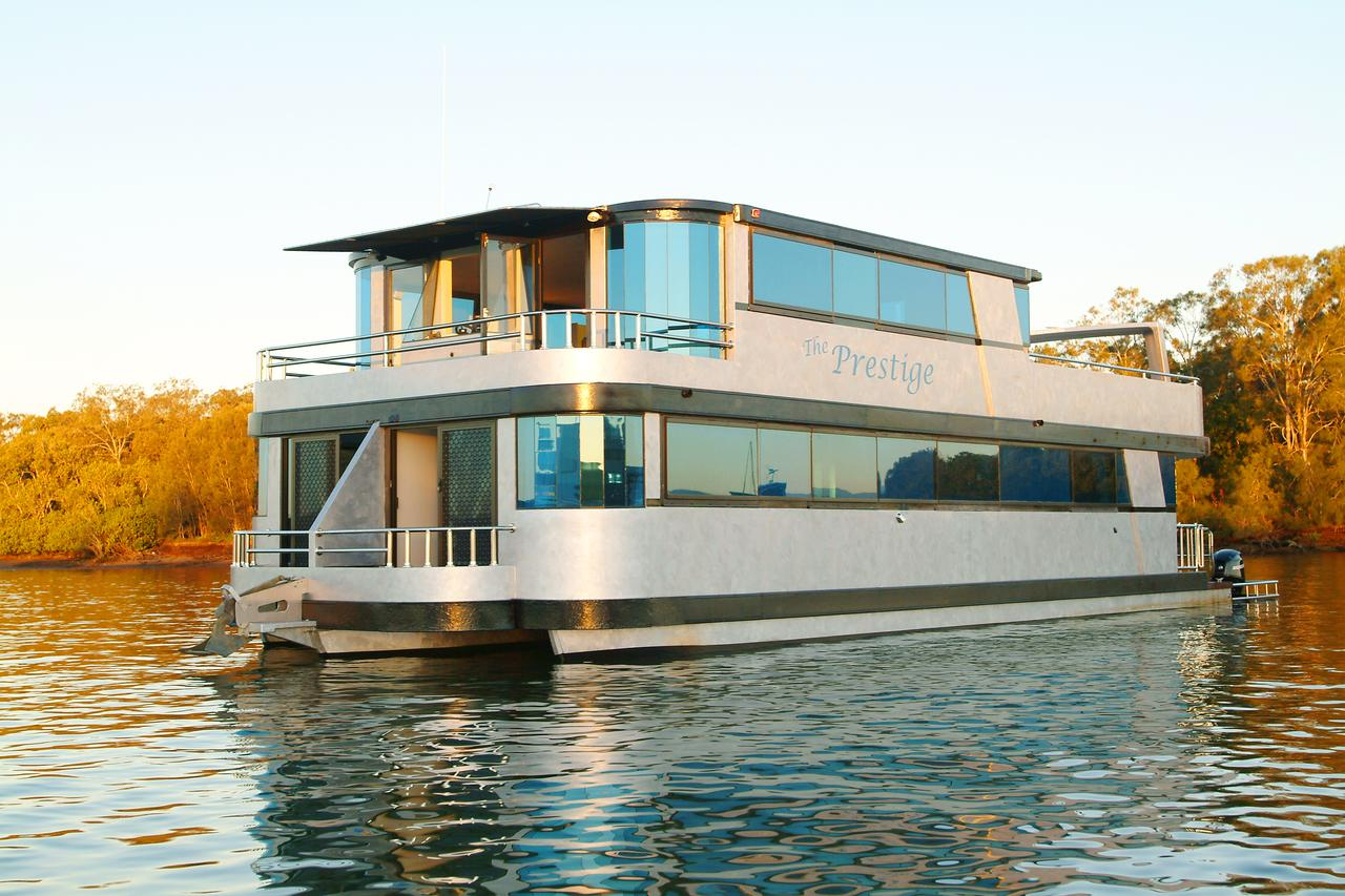Coomera Houseboats - QLD Tourism