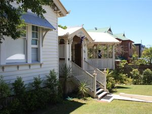 Minto Guest House - QLD Tourism