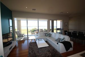 LJ Hooker Goolwa Holiday Rentals - 42 Underwood Avenue Goolwa Beach - QLD Tourism