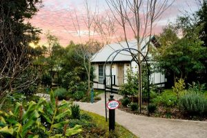 Olinda Country Cottages - QLD Tourism